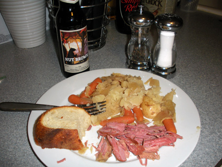 Slow Cooker Corned Beef and Cabbage with Beer